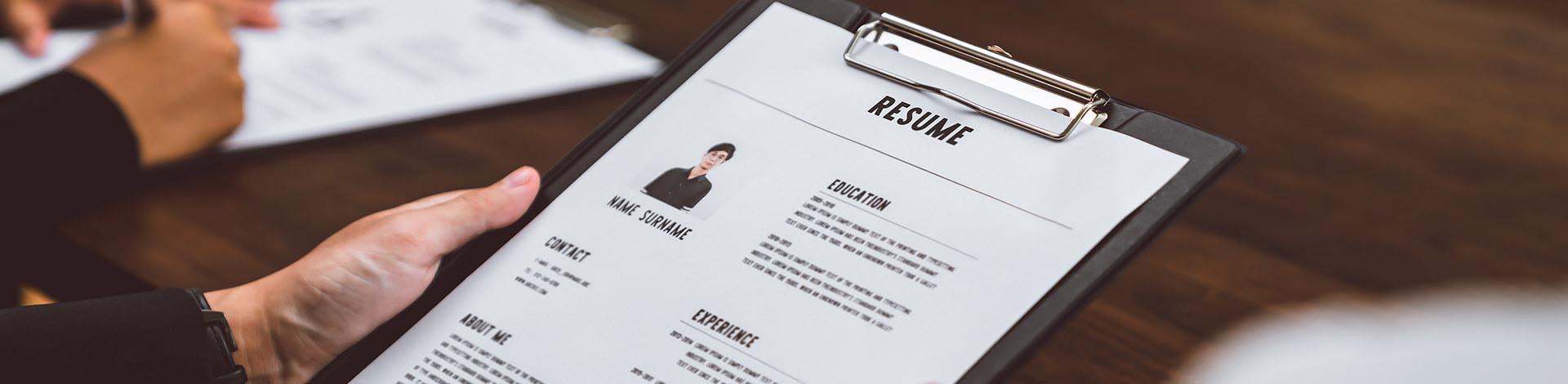 Hiring employees in Czechia – 8 basics rules
